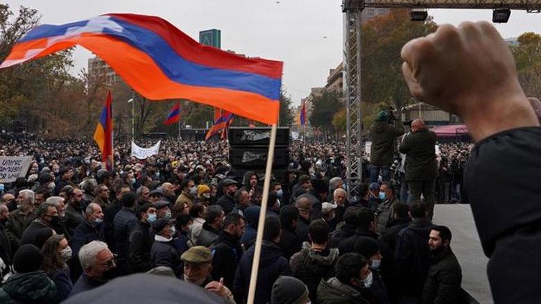 Ermenistan'da bir kritik istifa daha