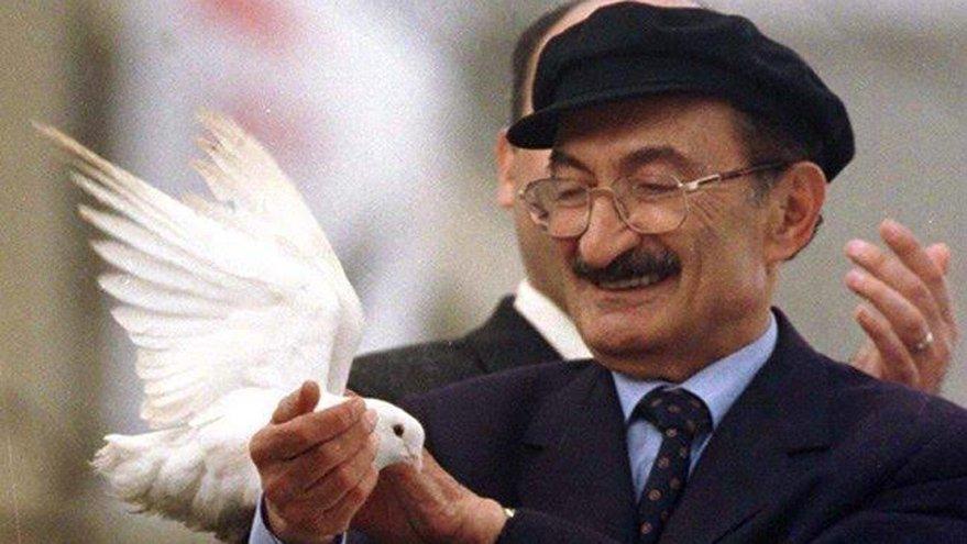 Siyasetin şair beyefendisi: Bülent Ecevit