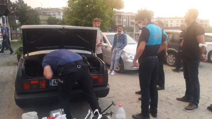 'Askere gideceğiz' yalanıyla para toplayan 6 kişi yakalandı