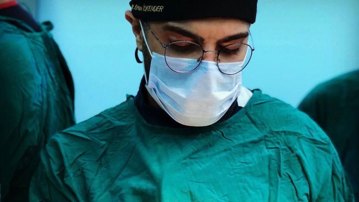 Bıçaklı saldırıya uğrayan doktor bir daha ameliyat yapamayacak