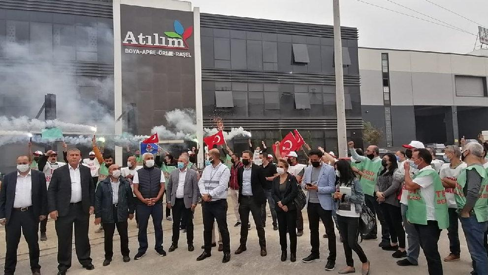 İşten çıkartılan tekstil işçilerinden meşaleli eylem