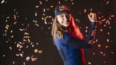 Milli sporcu Ayşe Begüm Onbaşı dünya şampiyonu oldu