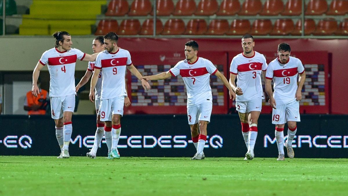 Türkiye-Azerbaycan karşılaşması ilklerin maçı oldu