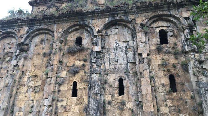 Definecilerin talan ettiği manastır restore edilecek