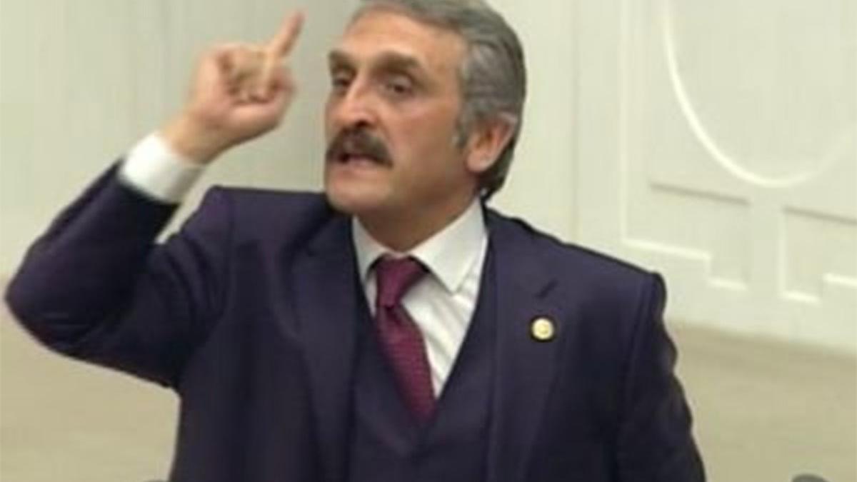 'Laiklik masaya yatırılmalı' diyen AKP'li vekil Atatürk'e lanet okuyan imamı savundu