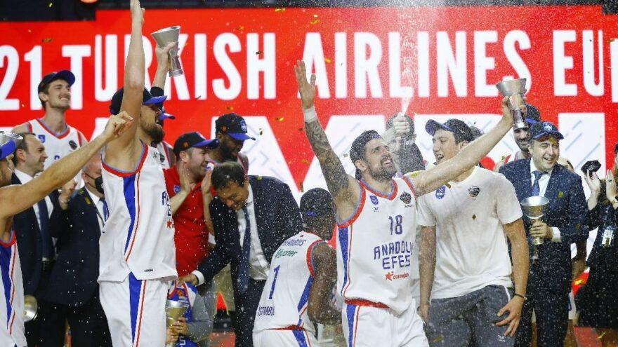 Anadolu Efes'in Euroleague şampiyonluğundan kareler