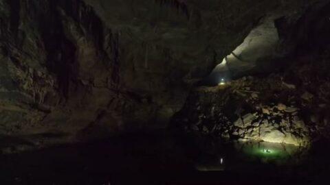 Hang Son Doong Mağarası: 3 milyon yaşında ve New York'tan daha büyük