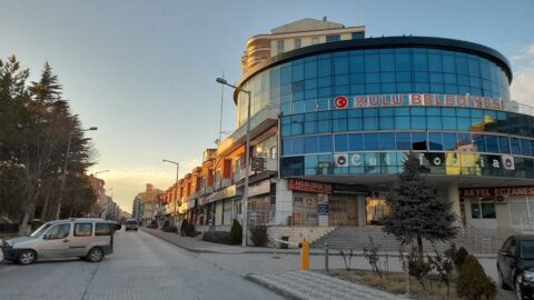 AKP'li belediyede son 1 ayda işe alınanların AKP'lilerin yakınları olduğu ortaya çıktı