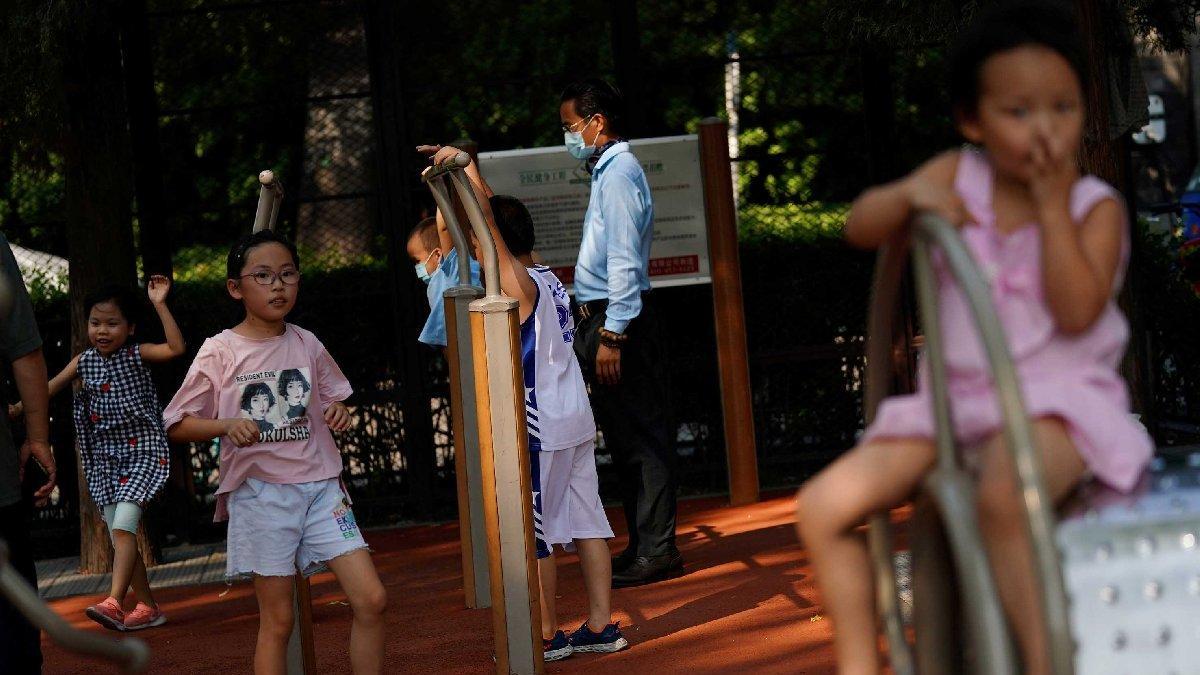 Çin'den yeni nüfus politikası: Bundan böyle üç çocuk