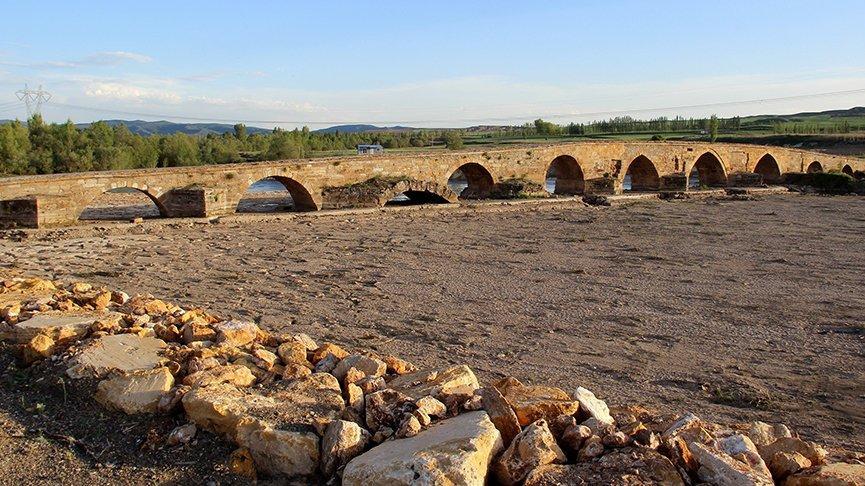 İki bin yıllık köprüde ilginç detay! Neden yapıldığı bilinmiyor