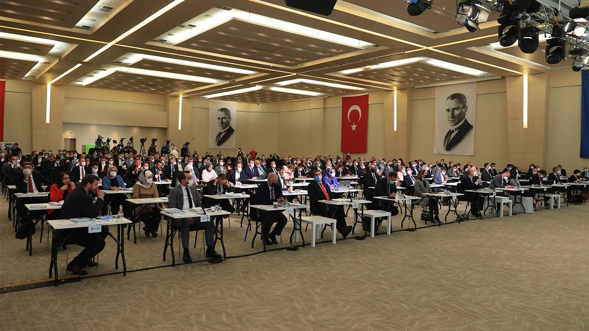 AKP'li başkanın İmamoğlu'na söylediği söz mecliste tansiyonu yükseltti