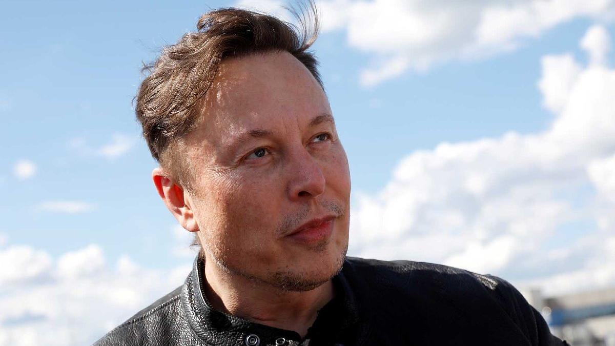 Musk'tan Tesla eleştirilerine yanıt: Fiyatlar tedarik zinciri sıkıntıları yüzünden artıyor