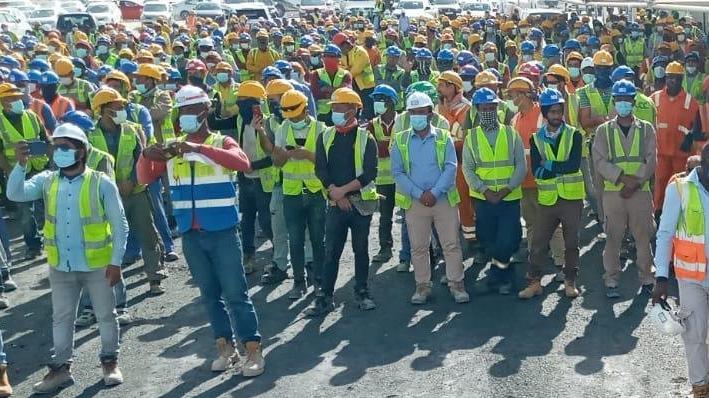 Katarlı müteahhit, haklarını isteyen 450 Türk işçiye kapıyı gösterdi