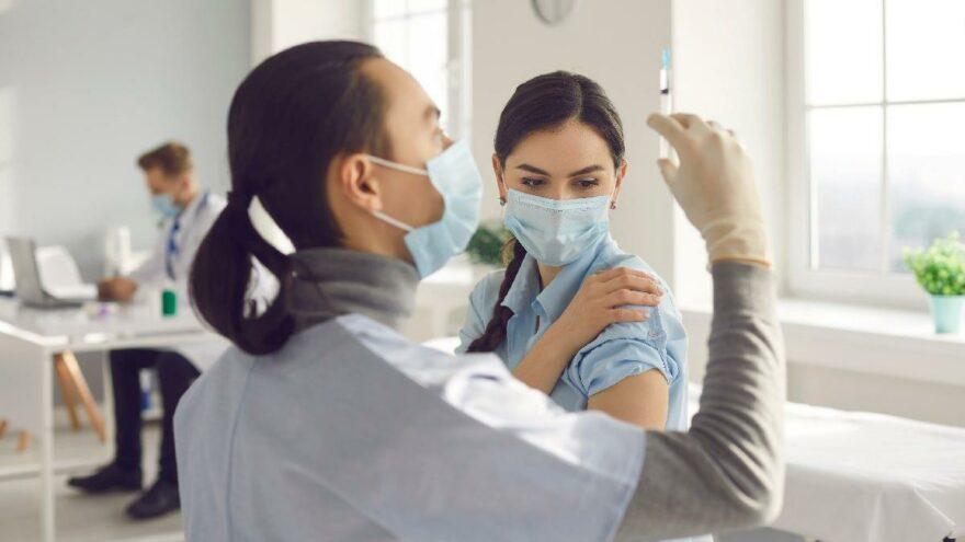 Biontech mi Sinovac mı? Aşıların yan etkileri neler?