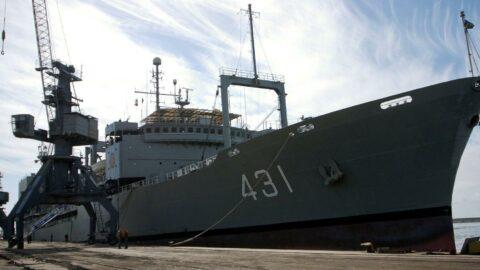 İran'ın en büyük donanma gemisi battı
