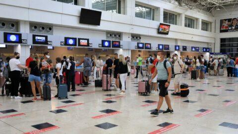 Antalya'ya gelen turist sayısında büyük düşüş