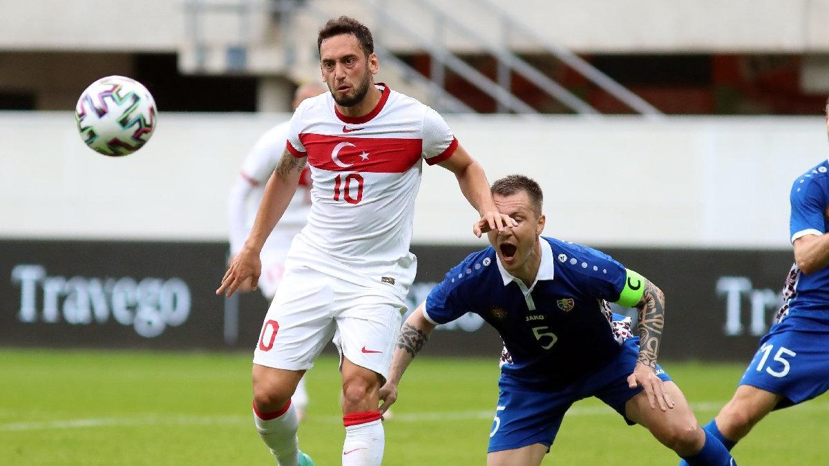 Hakan Çalhanoğlu: 'İtalya'ya karşı korkarak top oynamayacağız'