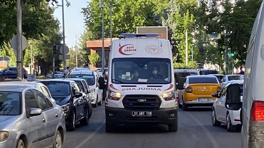 Husumetli aileler arasında adliye çıkışı kavga: 5 yaralı, 10 gözaltı
