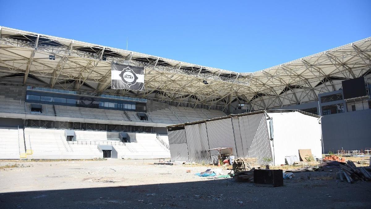 İzmir'de Altay ile Altınordu arasında Alsancak krizi
