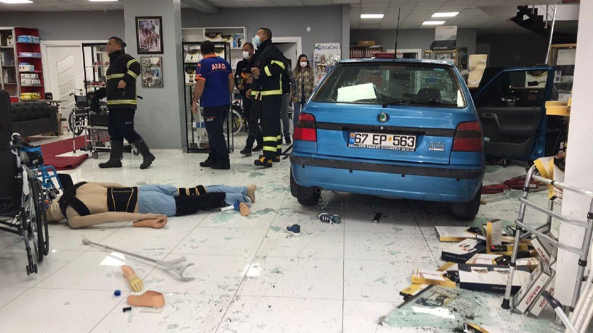 Direksiyonda kalp krizi geçirip iş yerine giren sürücü öldü