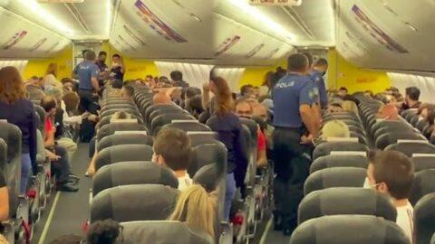 İstanbul seferini yapan uçakta taciz iddiası! Ortalık karıştı