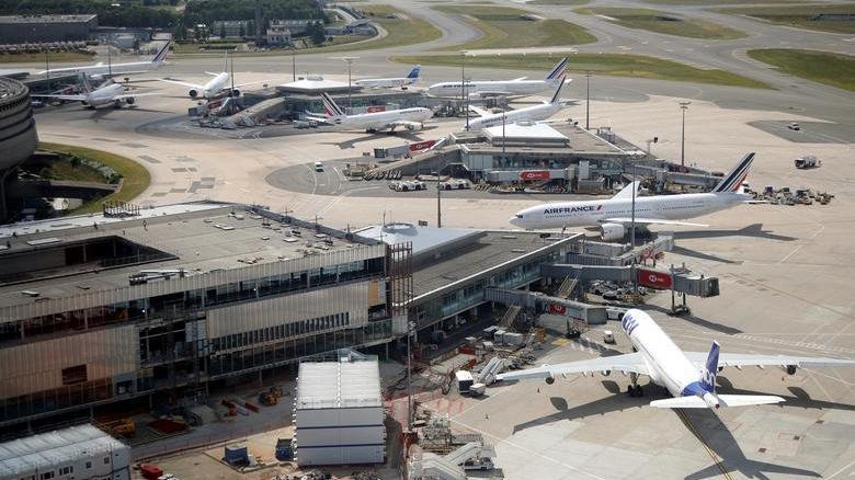 Fransa'ya giden uçakta bomba paniği