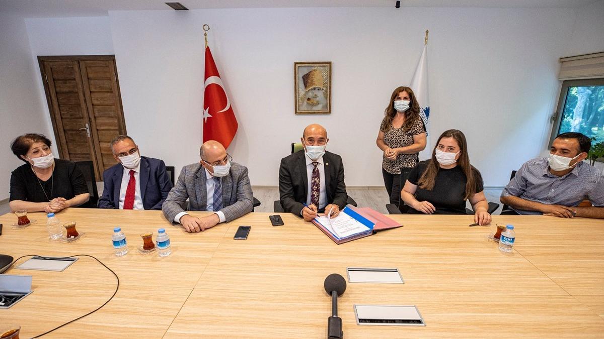 İzmir Büyükşehir Belediyesi'nde memurlara büyük zam