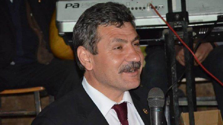 AKP'li eski vekilden ilginç savunma: Rakı sofrası kurarsan gönlünü alırsın