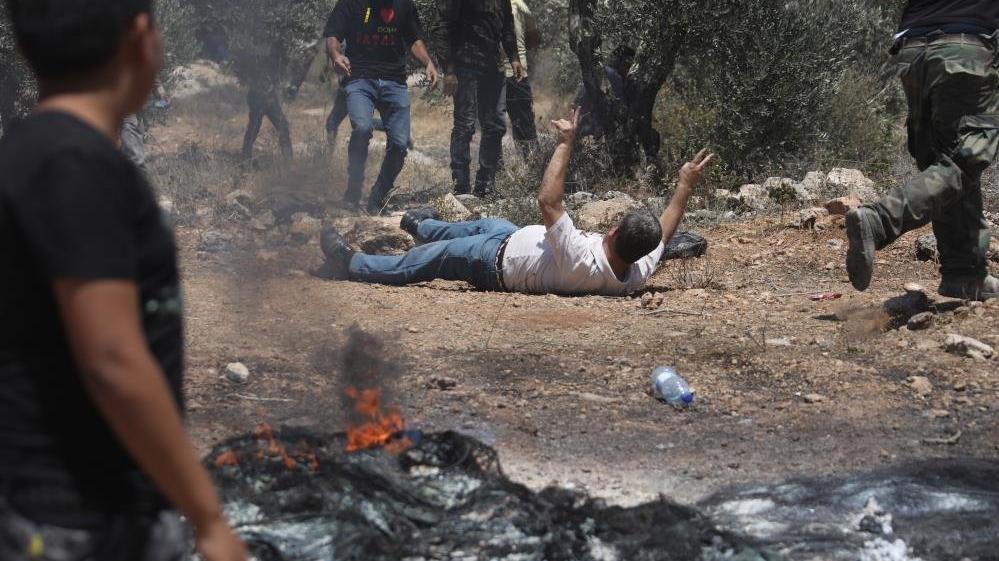 İsrail askerleri yine Filistin halkına saldırdı