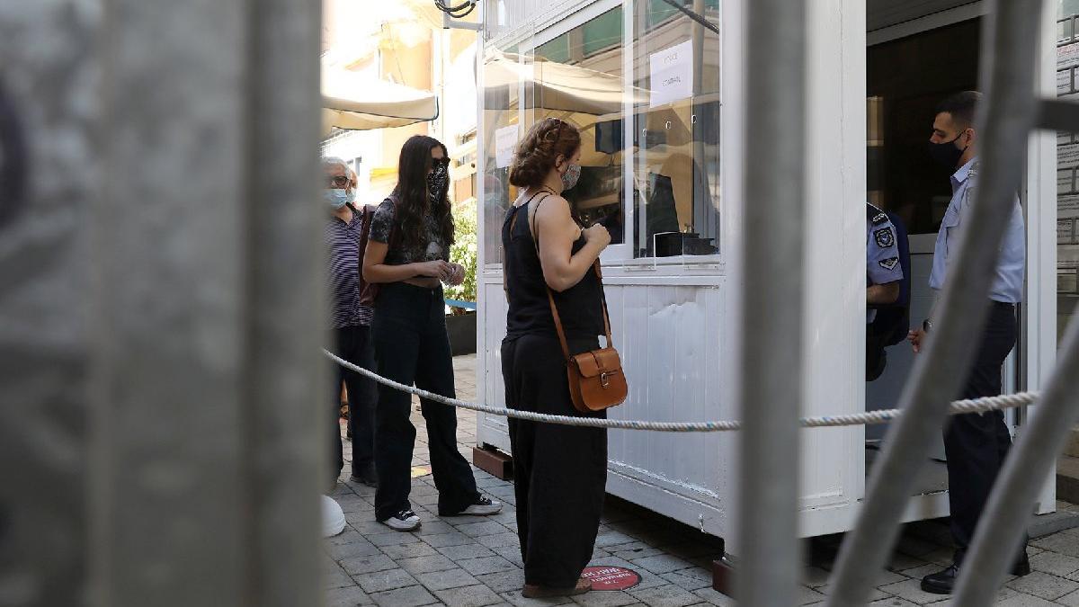 KKTC ile Güney Kıbrıs 15 ay sonra sınırları açtı