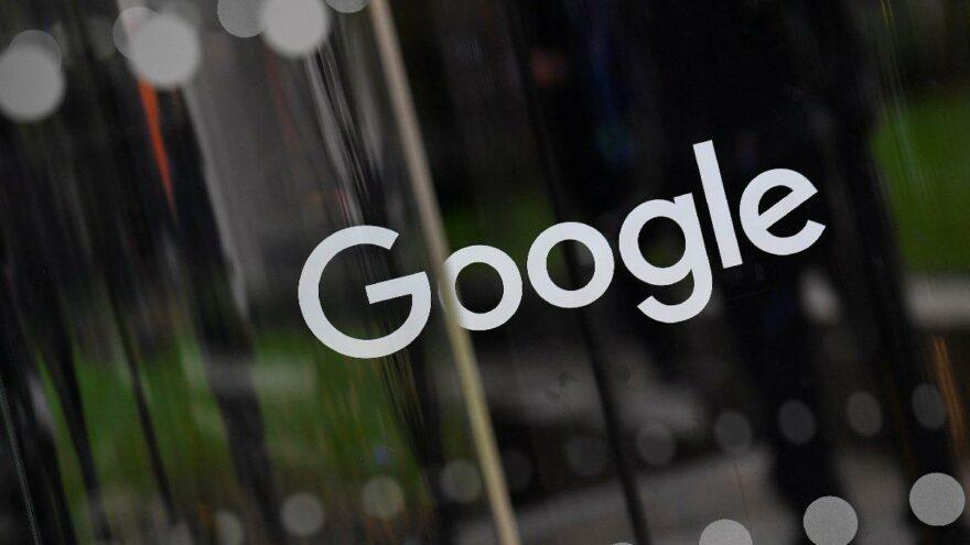Google baltayı taşa vurdu… 'En çirkin dil' gösterip özür dilediler