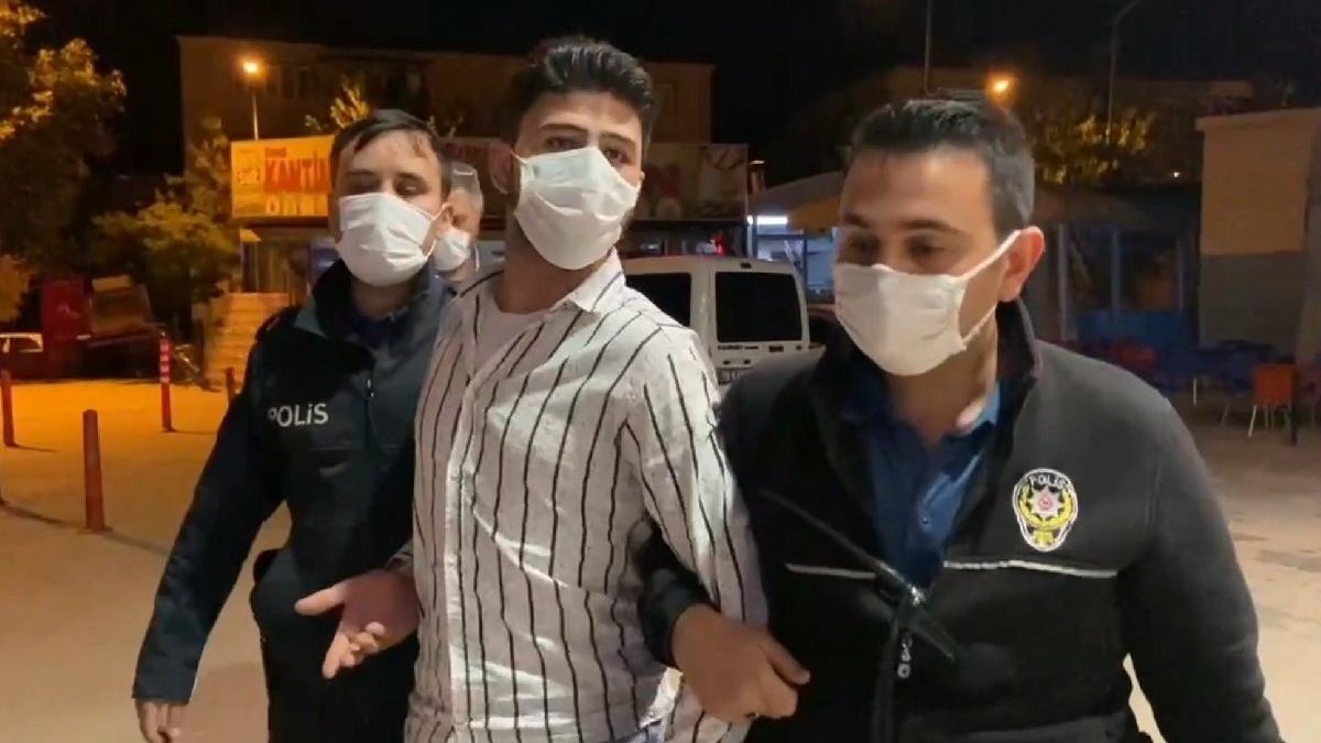 Suriyeli'nin üzerinden 'polis rozeti' ve 'ruhsatsız tabanca' çıktı