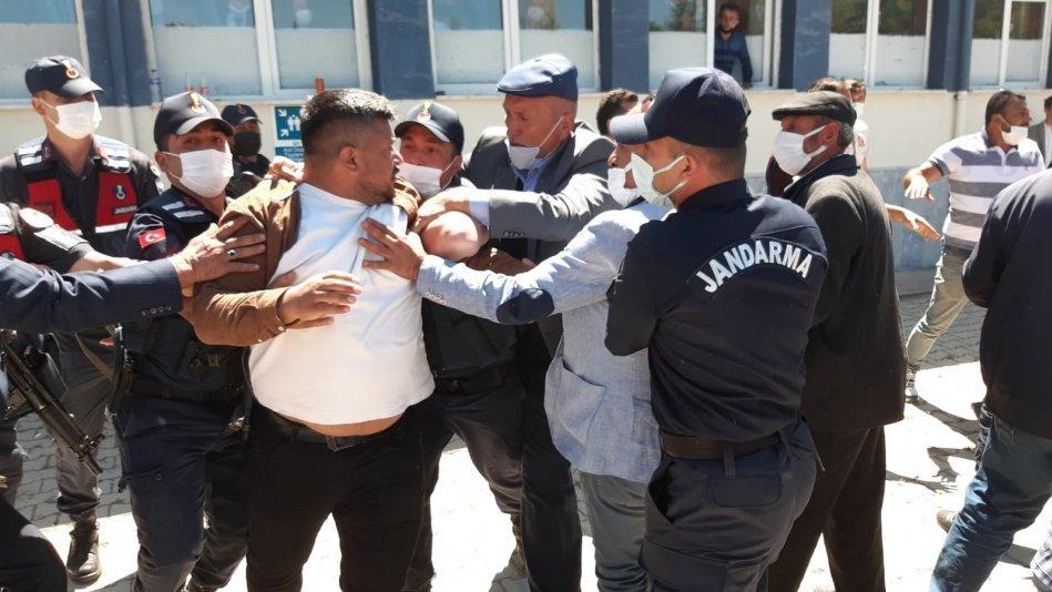 Belediye başkanı seçiminde kavga çıktı