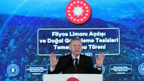 Bloomberg: TL, Erdoğan'ın baş döndüren politikalarının kurbanı oldu