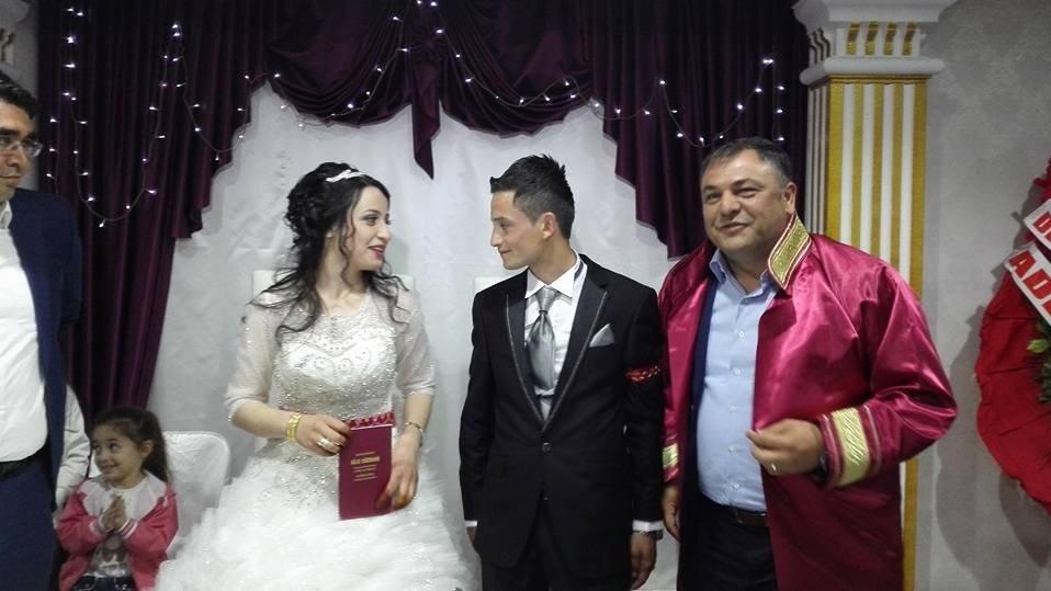 Tartıştığı eşini boynundan bıçaklayarak öldürdü