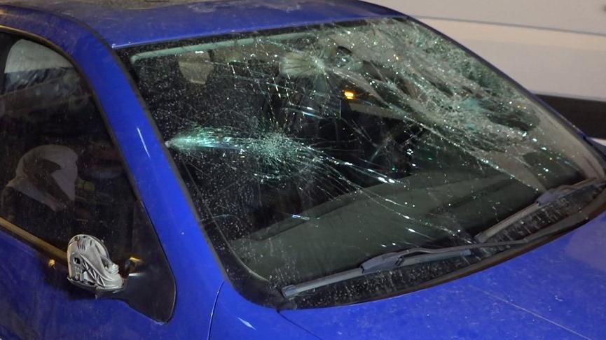 Alkollü sürücü, 5 otomobil ile 5 yayaya çarptı