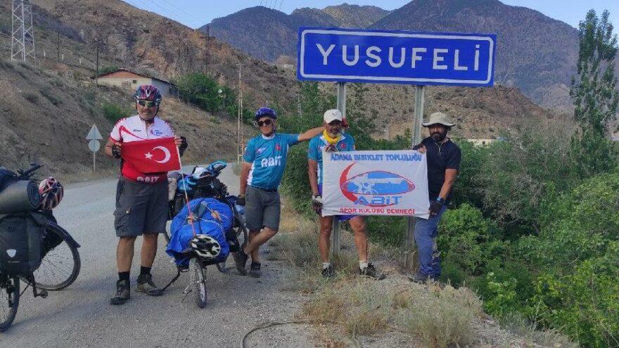 Emekli memurlar bisikletle Türkiye'nin keyfini çıkarıyor