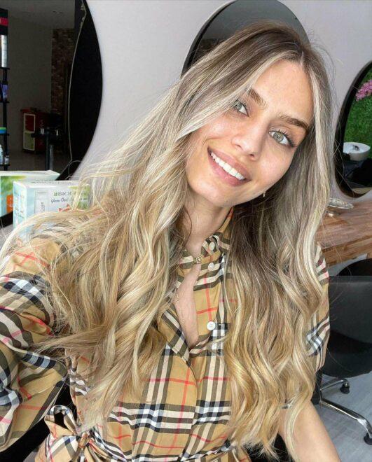 Amine Gülşe saçlarını sarıya boyattı, son halini sosyal medyada paylaştı