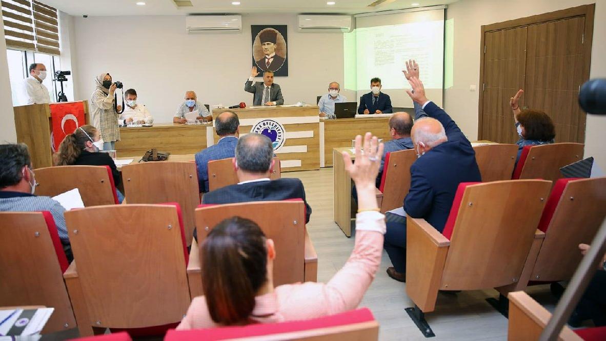 AKP İlçe başkanından sonra 5 meclis üyesi de istifa etti