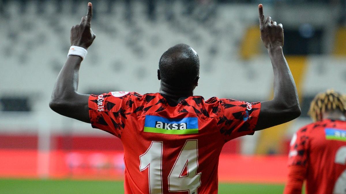 Beşiktaş'a imza atmayan Vincent Aboubakar, Al Nassr'a transfer oldu