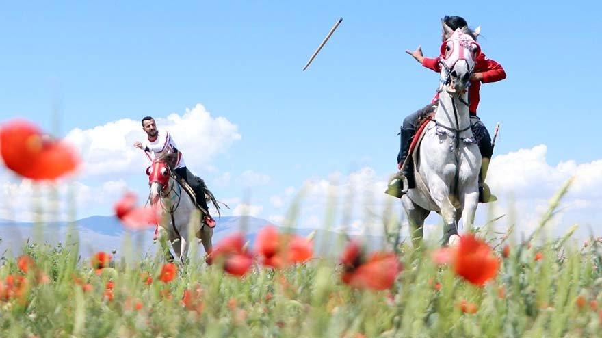 Cirit sporcuları yeniden sahalara döndü