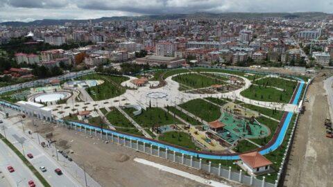 15 milyon lira harcanan millet bahçesi bir yıl içinde dökülmeye başladı