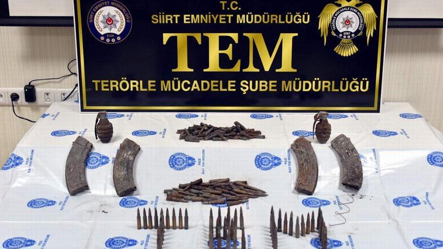 PKK'lı teröristlerin saldırıda kullanmak üzere sakladığı 2 el bombası ele geçirildi