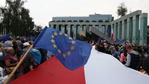 Polonya ve Çekya, Avrupa Adalet Divanı'na şikayet ediliyor
