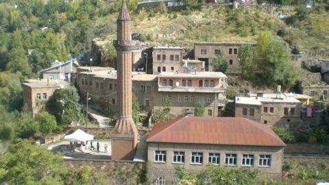 Atatürk'ün namaz kıldığı tarihi cami harabeye döndü