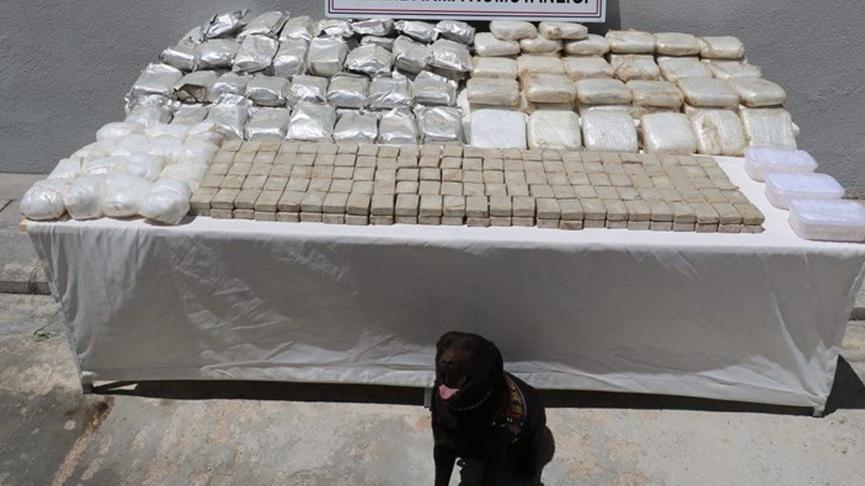 İran sınırında 181 kilo uyuşturucu ele geçirildi