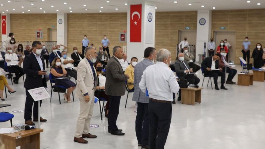 Meclis toplantısında Atatürk'e hakaret eden imam kınandı: AKP ve MHP grubu salonu terk etti
