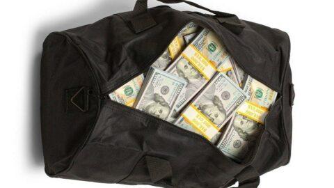 Doktorun 200 bin dolarını havaleyle çaldılar