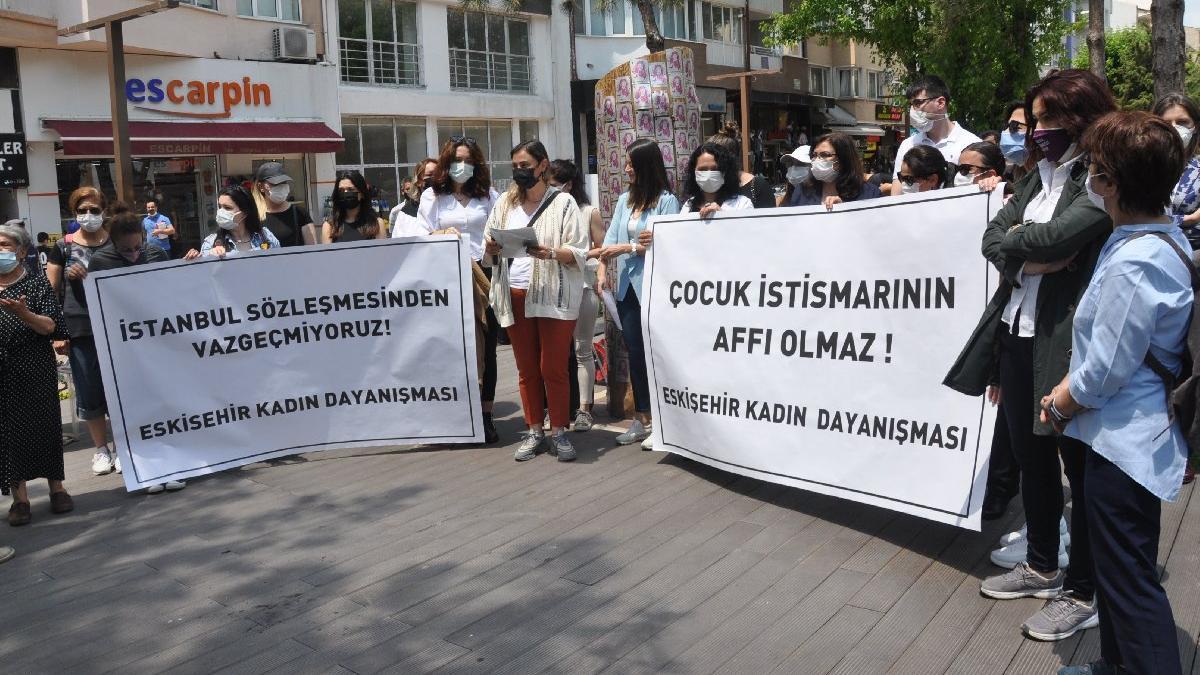 Kadınlar İstanbul Sözleşmesi'nden vazgeçmiyor: Sokaklara indiler