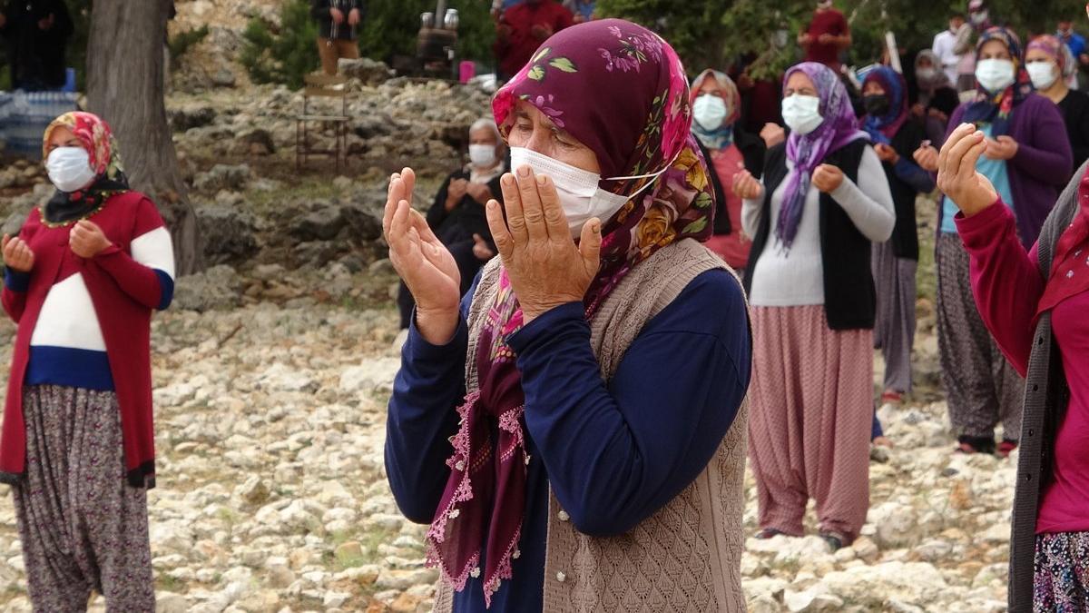 Mersin'de Yörükler yağmur duasına çıktı